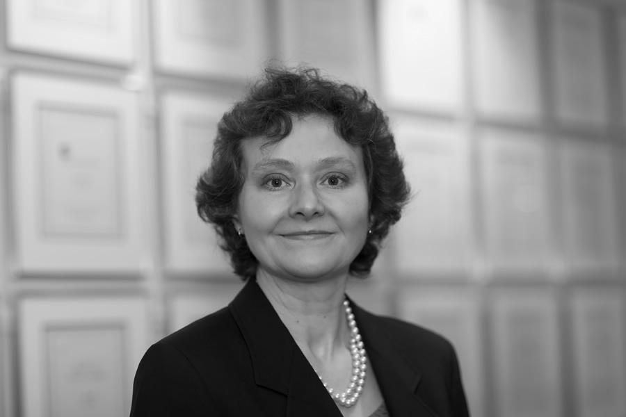 Marion E. Breukelman